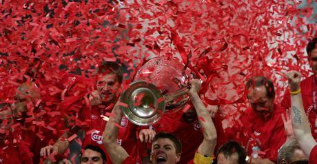 Steven Gerrard lifts the Champions League trophy in 2005