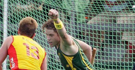 Eddie Ockenden scores for Australia