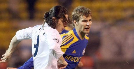 Bate's Vladimir Rzhevski fights for the ball with Zenit goalscorer Fatih Tekke