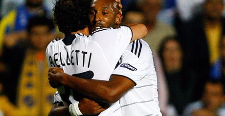 Anelka celebrates goal with Belletti