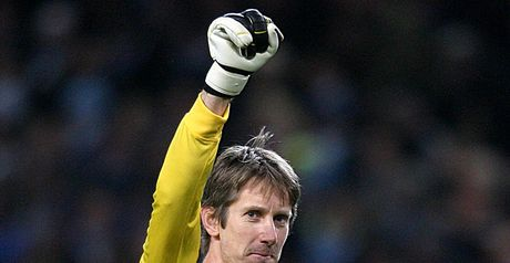 Van der Sar: Staying on