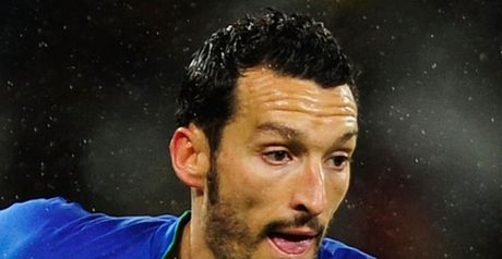 Zambrotta: Not thinking of exit
