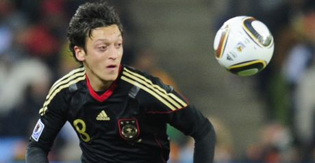 Ozil: Ankle complaint