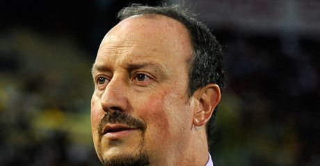 Benitez: Looking for defender