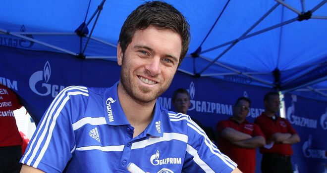 Tim Hoogland: Set to move to Stuttgart on one-year loan deal