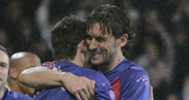 Tony Popovic (r): Admits he is unlikely to return to Palace