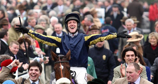 Bostons Angel returns triumphant after winning the RSA Chase
