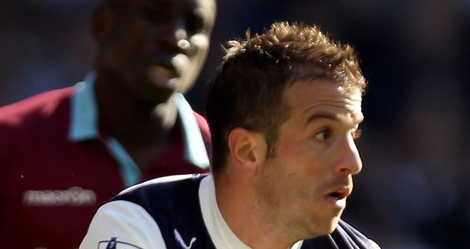 Van der Vaart: Pleased that Modric is staying at Spurs