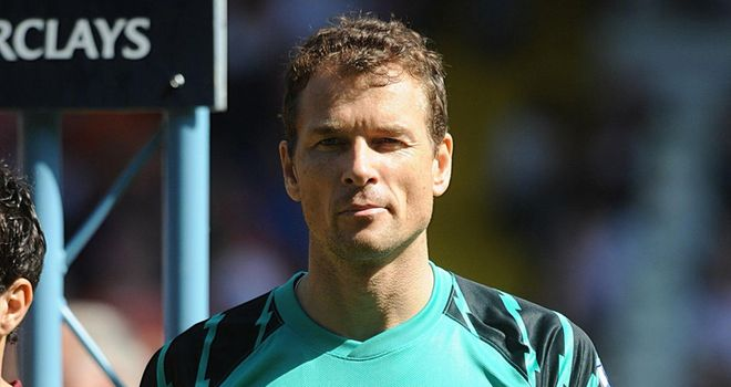 Lehmann: Veteran goalkeeper on Schalke radar after recent Arsenal return