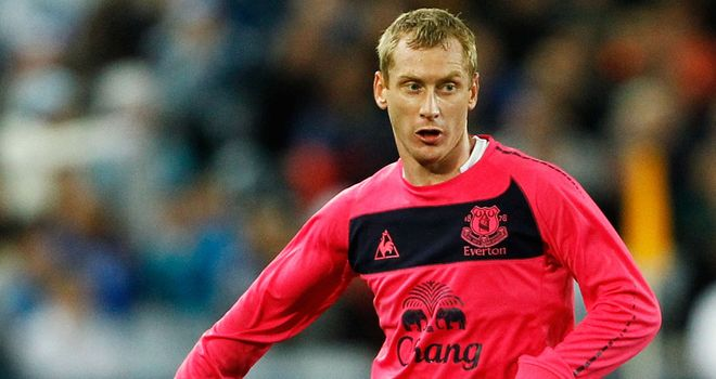 Tony Hibbert: Leon Osman believes Toffees full-back is one of the best in the country