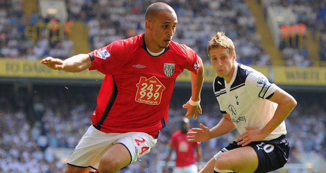 Odemwingie: Holding talks over a new contract
