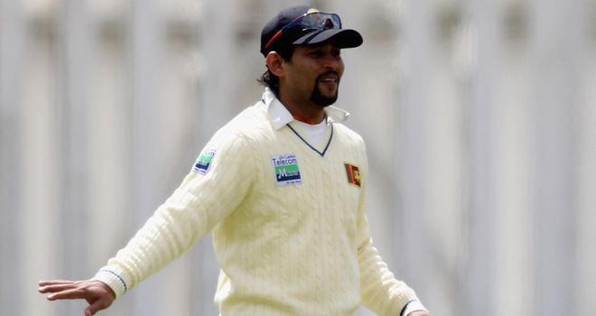 Dilshan: made 22 to help his side reach their target of 213