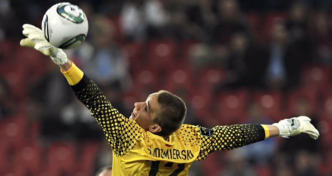 Sandomierski: Being chased by Celtic and Genk to bolster their goalkeeping options