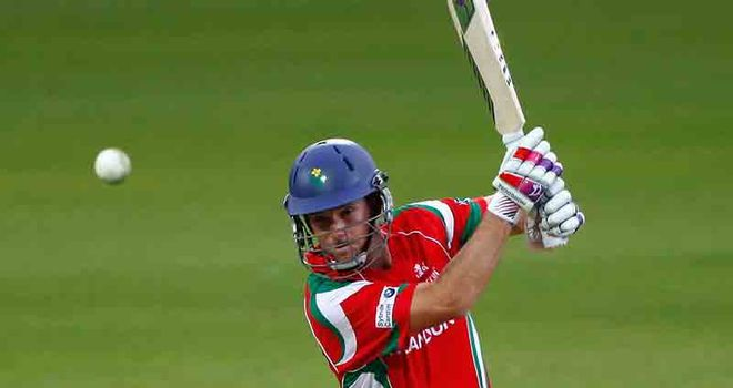 Jim Allenby: Staying with Glamorgan for at least two more seasons