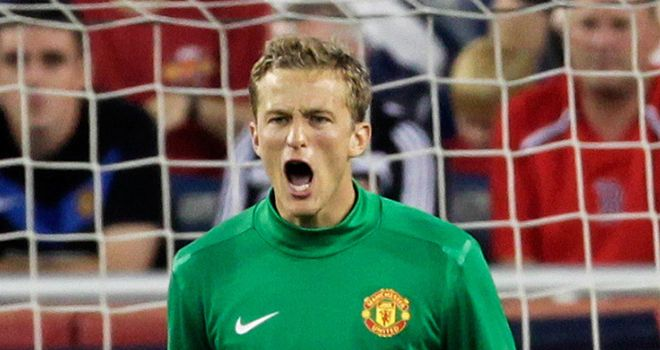 Lindegaard: Determined to claim the No.1 spot at United after playing against Benfica