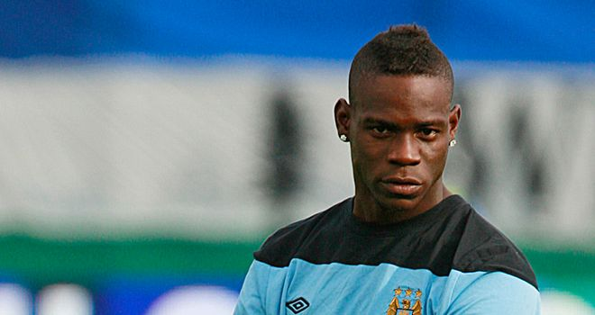 Balotelli: Robinho understands why he's not happy in Manchester