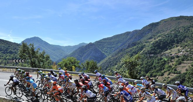 Vuelta: Sun, scenery and tough terrain