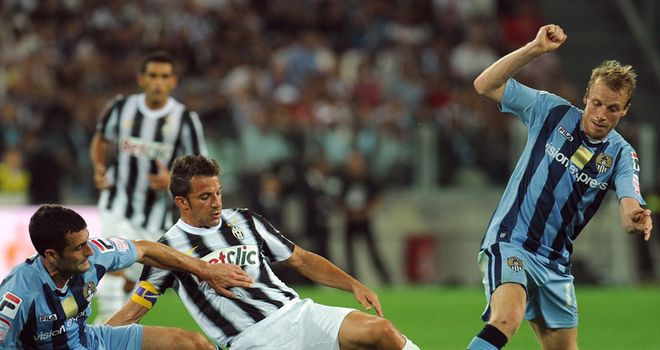 Del Piero: Gets stuck in