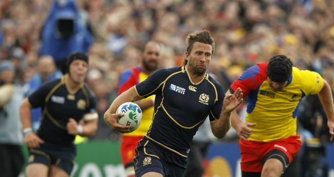 On the run: Simon Danielli in action for Scotland