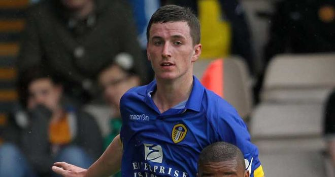 Zac Thompson: Has signed a new contract that keeps him at Leeds United until 2013