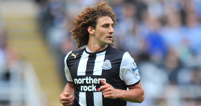 Fabricio Coloccini: Father claims player is anxious to return
