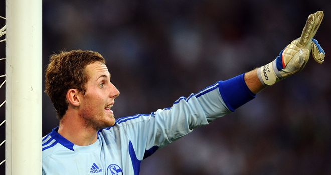 Ralf Fahrmann: Schalke goalkeeper out for weeks following an injury to his left knee