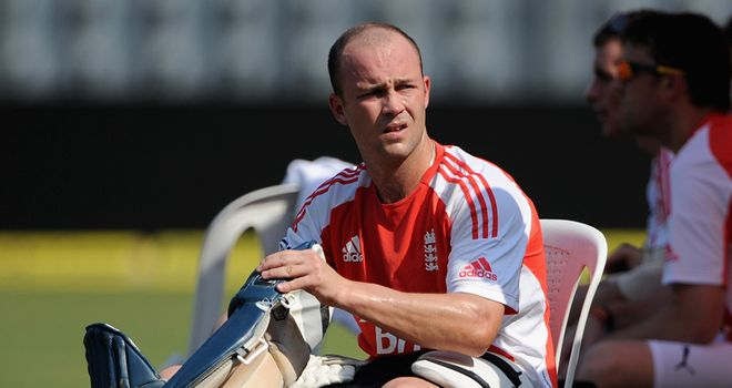 Jonathan Trott: New three-year deal