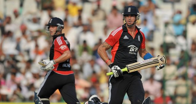 Jonathan Trott and Kevin Pietersen batting together for England in the shorter form
