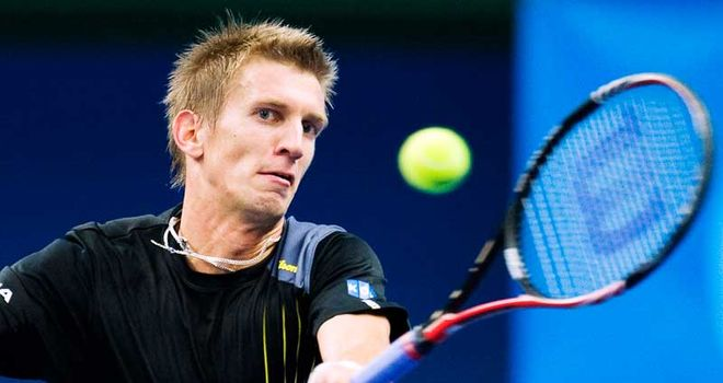 Jarkko Nieminen: Advanced to second round with victory over Tobias Kamke