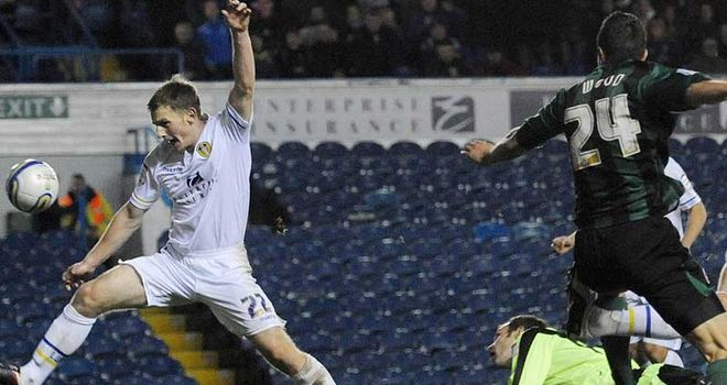 Richard Wood nets late on to deny Leeds all three points