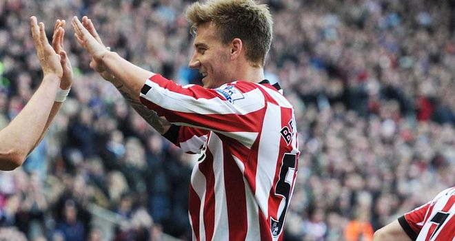 Nicklas Bendtner: Injury doubt as Martin O'Neill looks to start his Sunderland reign in style