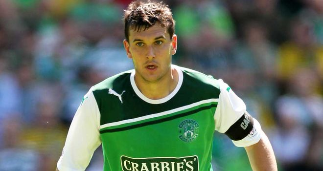 Ian Murray: Hibernian captain has offered his support to Billy Brown's bid to become the new manager