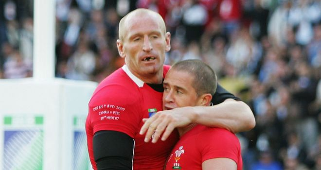 Gareth Thomas and Shane Williams at the 2007 World Cup