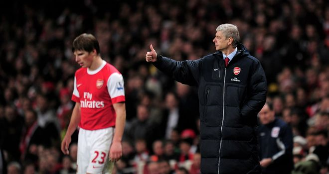 Arsene Wenger: Has defended Andrey Arshavin from criticism