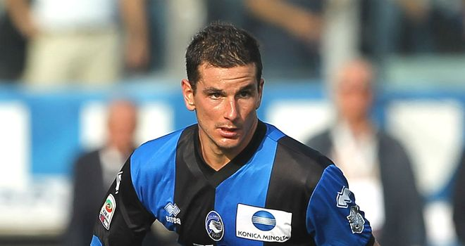 Simone Padoin: Midfielder joins Juventus on a five-year contract