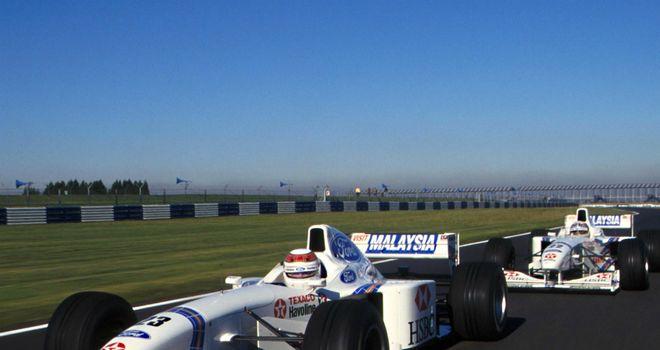 1997-Jackie-Stewart-formd-his-own-team_2718061.jpg