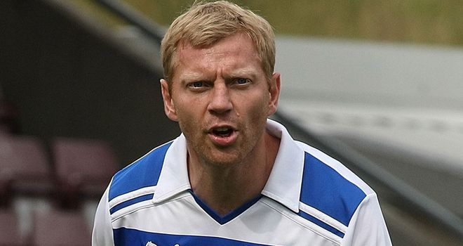 Brynjar Gunnarsson: In talks over a new deal to keep him at Reading