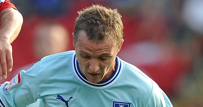 Gary McSheffrey: Striker plans to stay at Coventry and help the club win an immediate promotion