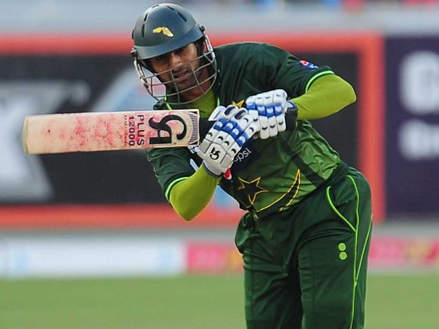 Shoaib Malik: Hit Ravindra Jadeja for six to win the match