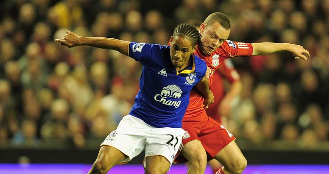 Steven Pienaar: Is wanted by Everton boss David Moyes, who will now step up his efforts to sign the South African