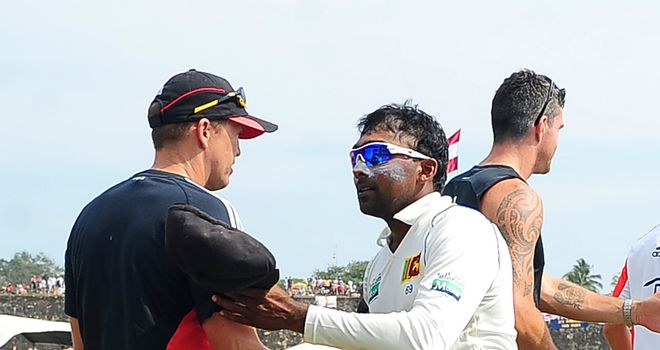 Sri Lanka captain Mahela Jayawardene (right) shakes hands with England coach Andy Flower