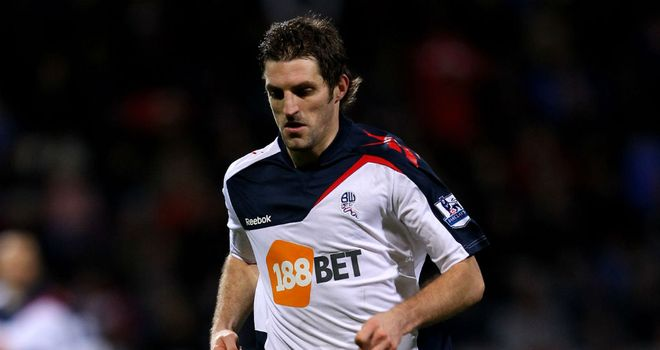 Sam Ricketts: Bolton defender thinks Man Utd will come out on top in title race