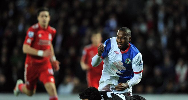 Doni is sent off for bringing down Junior Hoilett during Liverpool's win at Blackburn