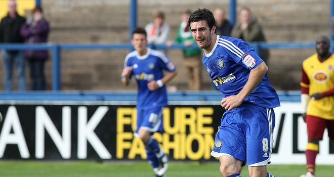 Ross Draper: Set for a move to the SPL with Inverness after leaving Macclesfield