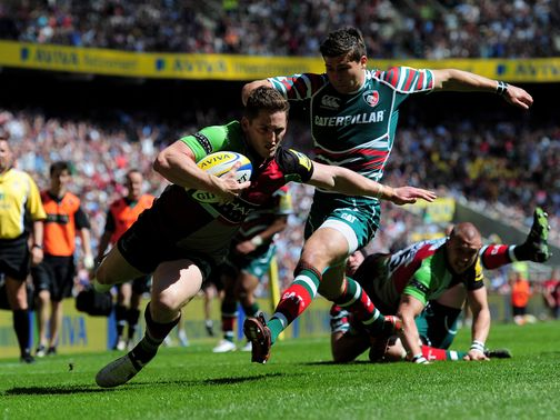 Tom Williams claims a Harlequins try