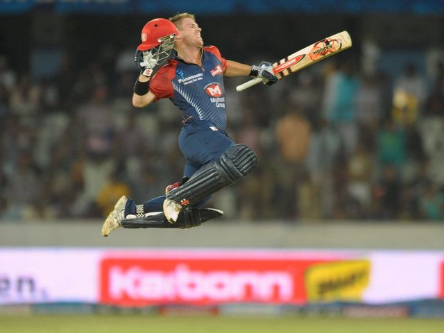 David Warner celebrates his ton