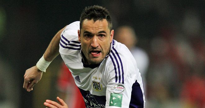 Marcin Wasilewski: Completed deal with Leicester