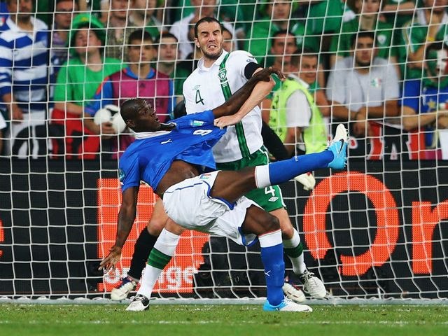 Balotelli scores Italy's second goal
