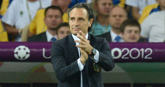 Cesare Prandelli: Italy coach laughs off Spain's boring tag