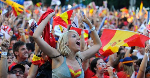Spain fans: Celebrate third tournament win on the trot